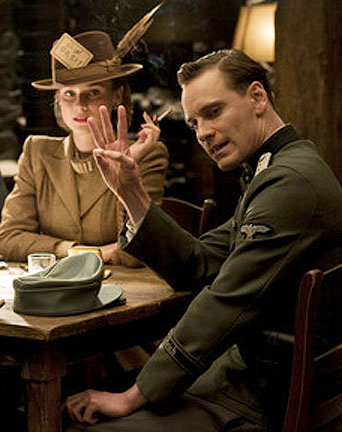 Inglourious-Basterds-Finger-Counting